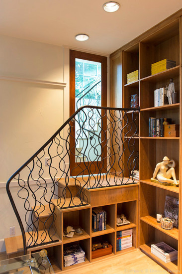 Cape Cod Stairs Emphasize Modernity of Home